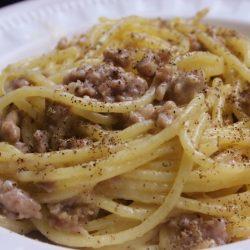 Spaghetti Cacio, Pepe e Salsiccia (Cheese, Black Pepper, Sausage)