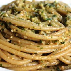 Bucatini con Pesto alla Trapanese (Basil, Almonds and Tomato)