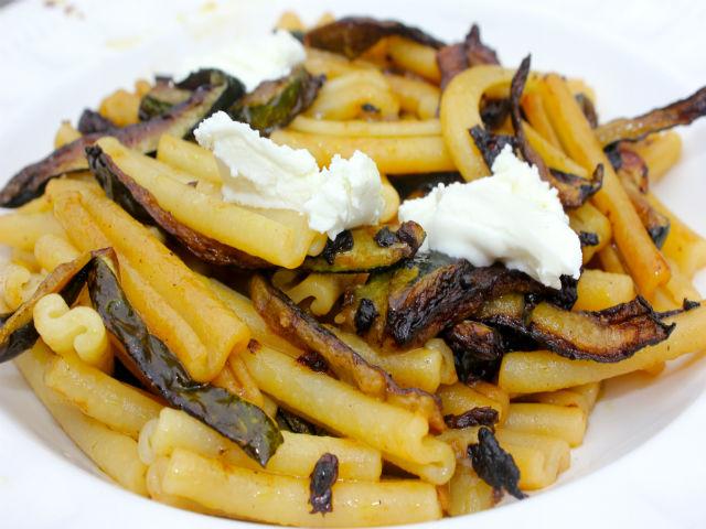 Sunday Pasta Caserecci con Zucchine e Caprino Garrubbo Guide