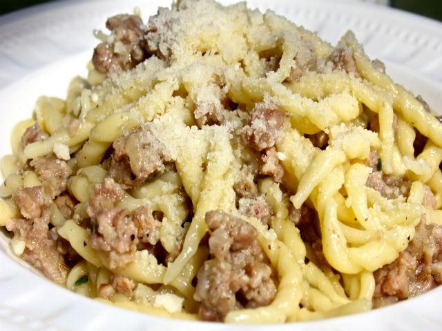 Sunday Pasta Ragu di Salsiccia in Bianco Garrubbo Guide
