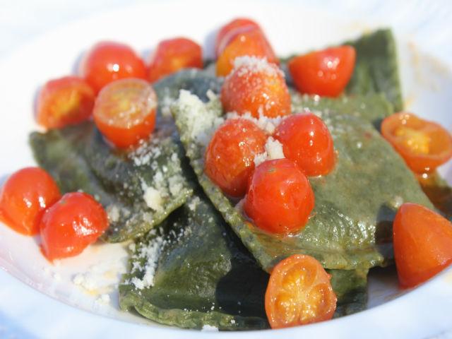 Sunday Pasta Ravioli di Caprino con Salsa di Pomodorini Garrubbo Guide