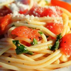 Spaghetti al Pomodoro Crudo (Raw Tomato)