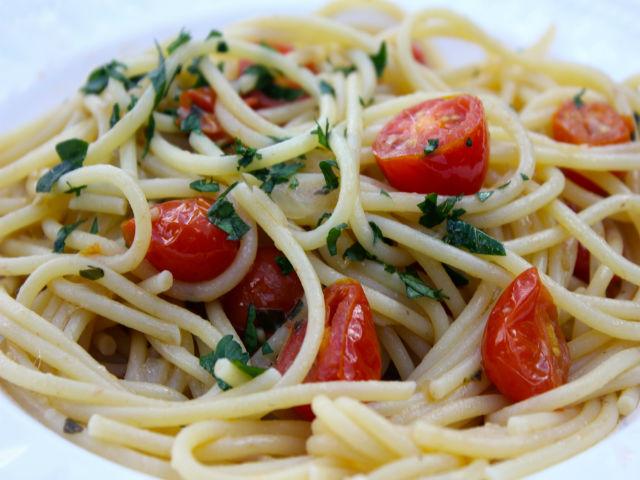 Sunday Pasta Spaghetti con Alici Garrubbo Guide