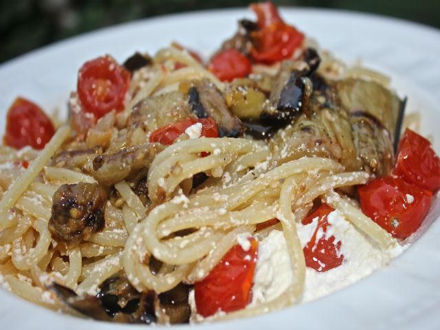 Sunday Pasta Spaghetti con Melanzane Grigliate Ricotta e Pomordorini Garrubbo Guide