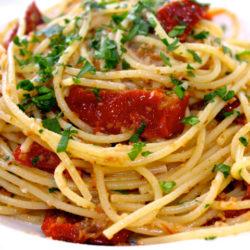Spaghetti con Pomodoro Secchi (Sun-Dried Tomatoes)
